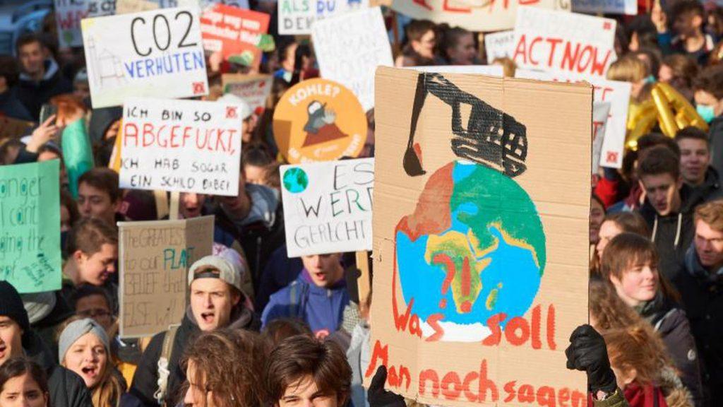 iklim için okul asma eylemleri