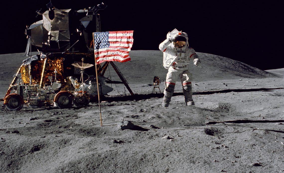 NASA Ay'a kadın astronot gönderecek