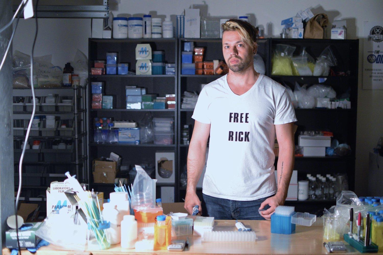Biohacker Zayner ruhsatsız ilaç satışından soruşturma altına alındı