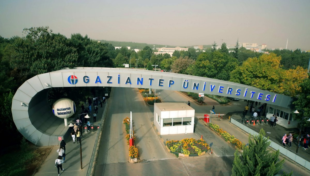 Gaziantep Üniversitesi akademisyenlerinden Sedat Bayseç öğrencilere hakaretler etti ve soruşturmaya alındı