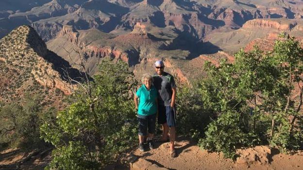89 yaşındaki babaanne ulusal parkları geziyor