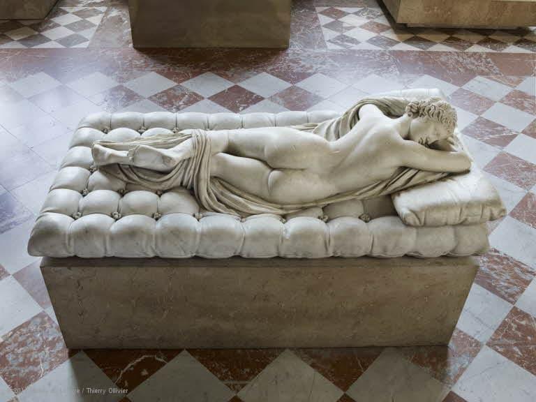 uyuyan hermafrodit heykeli